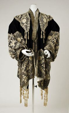 Dolman Made Of Wool And Metallic Thread, Made By The House Of Worth - French c.1905-1910 - The Costume Institute of The Metropolitan Museum of Art