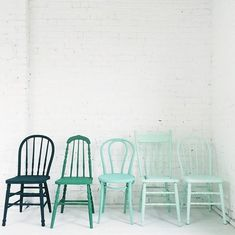Painted mismatched chairs  15+ Ways to Shake Up Your Look in the Dining Room #PaintedChair