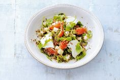 Powersalade: quinoa bevat eitwitten, vezels en mineralen. Extreem voedzaam en extreem lekker! - Recept - Allerhande