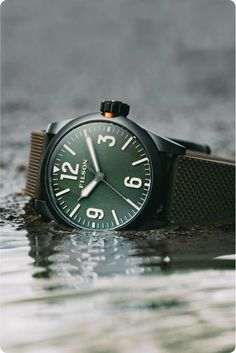 Filson Field Watch: Reliable, Accurate & Easy to Read Field Watches, Womens Luggage, Cool Gear, Types Of Shoes, Stainless Steel Case, Sale Items, Omega Watch, Watches For Men, Men Casual