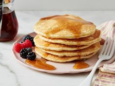 This Pancake Mix Recipe Food Network Kitchen Food Network is a good for our dinner made with wholesome ingredients! Breakfast Cake, Sweet Breakfast, Breakfast Recipes, Brunch Recipes, Breakfast Ideas, Easy Homemade Pancakes, Pancakes Easy, Food Network Recipes, Cooking Recipes