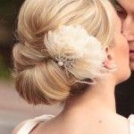 Stunning wedding updo hairstyle with vintage feather hair comb. Beautiful wedding back ideas. Headstall comb vintage feather updo Source by brlke Wedding Hair And Makeup, Wedding Updo, Hair Makeup, Wedding Upstyles, Bridal Updo, Bridal Makeup, Wedding Bride, Wedding Reception, Prom Updo