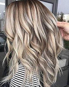 34 Blonde Hair Colour Trends for 2019 – Latest Hair Colour Inspirations - All For Hair Color Balayage Cool Blonde Hair, Blonde Hair With Highlights, Color Highlights, Wavy Hair, Blonde With Brown Lowlights, Blonde Hair Colors, Hot Hair Colors, Bleach Blonde, Brown Blonde