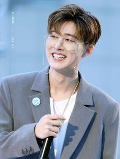 """B.I is my hero, whenever he isn't here the team is always down"" - Kim Jinhwan Yg Ikon, Kim Hanbin Ikon, Ikon Kpop, Chanwoo Ikon, Ikon Leader, Stan Love, Ikon Debut, Ikon Wallpaper, Double B"