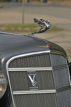 '34 Cadillac V12 Fleetwood