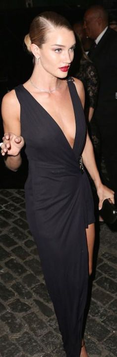 - Rosie Huntington-Whiteley wearing Versace - Rihanna's Private Met Gala 2015 After Party in New York. Rosie Huntington Whiteley, Rose Huntington, Glamour, Sexy Dresses, Beautiful Dresses, Costume, Red Carpet Looks, Look Chic, Fashion Week