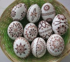 Polish Easter, Egg Shell Art, Easter Egg Pattern, Faberge Eggs, Egg Decorating, Egg Shells, Easter Eggs, Gingerbread, Diy And Crafts