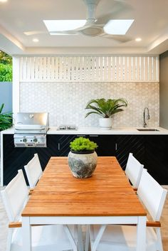 If you are looking for Outdoor Kitchen Backsplash, You come to the right place. Here are the Outdoor Kitchen Backsplash. This post about Outdoor Kitchen Backspl. Outdoor Bbq Kitchen, Outdoor Cooking Area, Backyard Kitchen, Outdoor Kitchen Design, Outdoor Kitchens, Outdoor Entertaining, Backyard Bbq, Outdoor Kitchen Cabinets, Indoor Outdoor Living