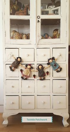 1 million+ Stunning Free Images to Use Anywhere Classroom Birthday Gifts, Polymer Clay Dolls, Primitive Crafts, Country Primitive, Shabby, Raggedy Ann, Sewing Box, Diy Doll, Fabric Dolls