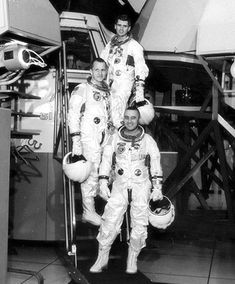 Apollo 1 astronauts (bottom to top) Virgil I. Grissom, Edward H. White II and Roger B. Chaffee pose on the steps leading to the Apollo Mission Simulator at the Kennedy Space Center on January 1967 (NASA/Ed Hengeveld) Apollo 1, Nasa Missions, Moon Missions, Apollo Missions, Cosmos, Gus Grissom, Apollo Space Program, Nasa Astronauts, Space And Astronomy