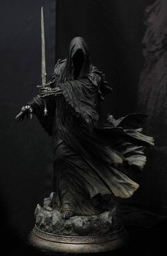 scale polystone statue sculpted by me produced by Sideshow Collectibles Lord of the Rings: Ringwraith statue Tolkien, Dark Fantasy Art, Dark Art, Hexenkönig Von Angmar, Foto Portrait, Grim Reaper, Reaper Statue, Sideshow Collectibles, Middle Earth