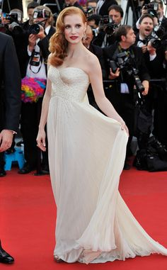 The best dresses are hers...Jessica Chastain de Giorgio Armani en Cannes