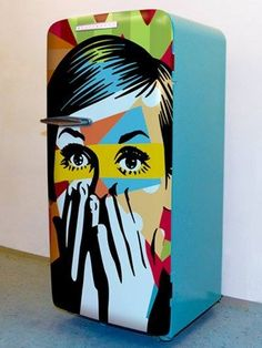 """Retro style painting on a fridge door - With an expression of - """"Are you going to eat once again""""? Art Furniture, Funky Furniture, Painted Furniture, Graffiti Furniture, Furniture Websites, Cheap Furniture, Pop Art Decor, Funky Decor, Modern Decor"""