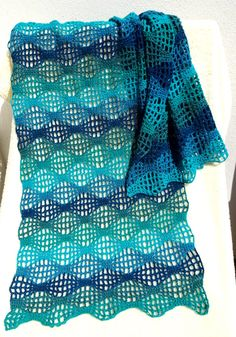 Ravelry: Magic Flow Stole pattern by Heidi Ehlers Ravelry Crochet, Crochet Poncho, Thread Crochet, Crochet Scarves, Crochet Clothes, Crochet Stitches, Crochet Lace, Crochet Wrap Pattern, Crochet Patterns