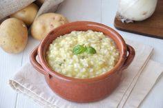 Riso e patate è una ricetta della tradizione povera napoletana… una minestra buonissima che preparo spesso durante l'inverno. Visto che in questi giorni sull' Italia si abbatterà