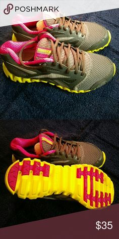 Women's Reebok Zignano Fly Great for your training or running needs. Reebok Shoes Athletic Shoes