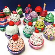 Inspired by the food sculptures created by artist @peter_anton_ Years 4,5 &6 Art Club painted their clay cupcake containers using acrylics, pearl paint and puffy paint sprinkles. #peteranton #foodart #claycupcakes #clay #airdryclay #kidsart #kidsartwork #kidsclay #artclub