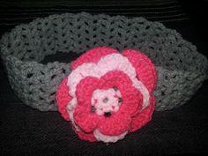 Crochet hairband with a crochet flower. Crochet Hairband, Crochet Fashion, Crochet Flowers, Hair Band, Beanie, Hats, Unique, Hat, Crocheted Flowers