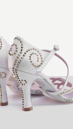 Baile Latino, Fashion Moda, Dancer, Dance Shoes, Glamour, Sewing, My Love, Heels, Gold