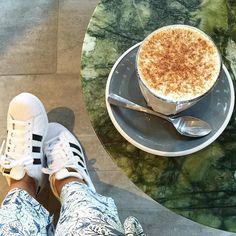 Chai latte  #alexhotelperth #adidasoriginals #adidassuperstar #marble #jade #sidetable #table #chailatte #shoeselfie #cup #spoon #saucer #seedheritage #whitekicks #sneakergram #whitesneakers #floral #arentandpyke #douglasandbec by sosilah