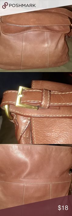 Etienne Aigner leather purse Used Brown Etienne Aigner purse a great we're looking purse in good condition took several pictures if you need anything else please let me know and as always thank you for stopping at my Poshmark closet Etienne Aigner Bags