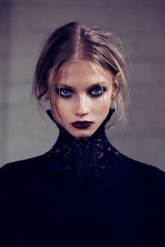 dark lips and eyes makeup