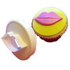 It's a double-sided cupcake cutter! One side is a circle- the other is lips!