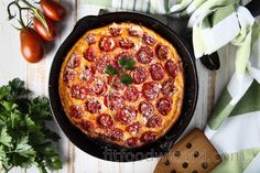 This fluffy low-carb tomato frittata recipe will charm every egg and tomato lover. It is suitable for breakfast, dinner, or snack, and the recipe is super easy to prepare. Come ... Quiche, Janta Low Carb, Frittata Recipes, Vegetable Puree, Vegetarian Cheese, Cherry Tomatoes, Food And Drink, Easy Meals, Healthy Recipes