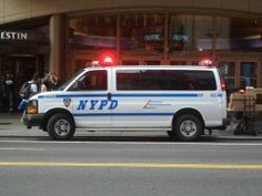 ♪•♪♫♫♫ JpM ENTERTAINMENT ♪•♪♫♫♫ Chevy Vehicles, Old Police Cars, Chevy Express, California Highway Patrol, New York Police, Emergency Vehicles, Law Enforcement, Fire Trucks, Police Officer