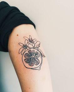 The Best Minimalist Tattoo Ideas - My Minimalist Living Mini Tattoos, Body Art Tattoos, Small Tattoos, Flower Tattoos, Tatoos, Henna Tattoos, Subtle Tattoos, Pretty Tattoos, Beautiful Tattoos