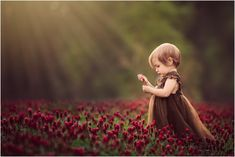 Red Clover Field and Light Rays Baby Girl Names Elegant, Cute Baby Girl Pictures, Cute Baby Boy, Love Pictures, Cute Kids, Cute Babies, Clover Field, Boys Girl Friend, Beautiful Children