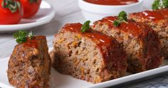 No low-carb diet plan is complete without a list of keto ground beef recipes. These easy keto ground beef recipes range from tradition to unique and tasty. Easy Healthy Meatloaf Recipe, Meatloaf Recipes, Homemade Meatloaf, Cracker Barrel Copycat Recipes, Cheesy Meatloaf, Cracker Barrel Meatloaf, Fried Apples, Meat Loaf, Gordon Ramsay