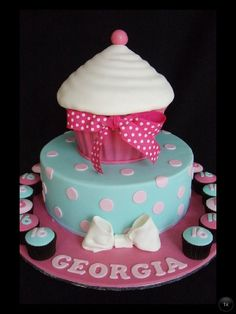 This has got to be the cutest cupcake cake I've ever seen.  https://www.djs.durban