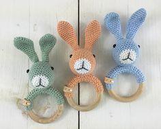 Mesmerizing Crochet an Amigurumi Rabbit Ideas. Lovely Crochet an Amigurumi Rabbit Ideas. Crochet Baby Toys, Easter Crochet, Crochet Patterns Amigurumi, Baby Knitting Patterns, Diy Crochet, Baby Patterns, Crochet Gifts, Baby Accessoires, Crochet Rabbit