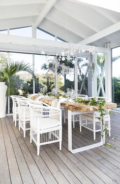 Loving this stunning Hamptons style outdoor entertaining area, with beautiful Australian Christmas table decorations! & Featuring Uniqwa's Columbia Dining Table in natural and original Malawi dining chairs in white. & Christmas decorations from & Christmas Table Settings, Christmas Table Decorations, Decoration Table, Outdoor Areas, Outdoor Rooms, Outdoor Tables, Outdoor Decor, Outdoor Dining Set, Dining Sets