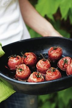 roasted tomatoes Tapas, Healthy Cooking, Healthy Snacks, Healthy Recipes, Feel Good Food, Love Food, Pureed Food Recipes, Cooking Recipes, Brunch