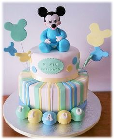 Lovely Mickey mouse cake.