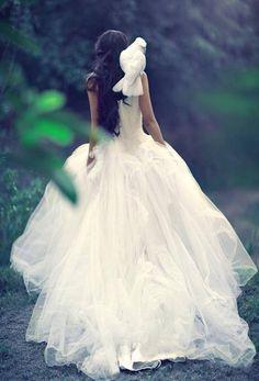 Resultado de imagen para wedding dress tumblr photography