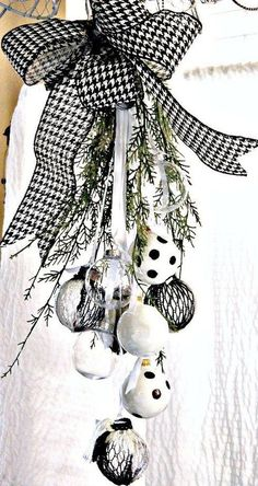 Here are best Black and White Christmas Decoration ideas. These Black and White Christmas decor include Christmas home decor & White & Black Christmas Trees Black Christmas Trees, Christmas Door Wreaths, Christmas Swags, Silver Christmas, Plaid Christmas, Christmas Holidays, Christmas Crafts, Black Christmas Decorations, Red Black White Christmas