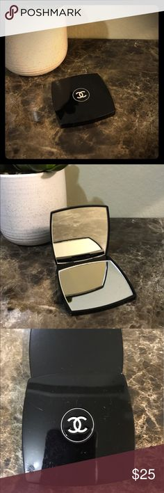 CHANEL Mirror Compact Scratches on the outside. Had for 4+ years. One zoom side CHANEL Makeup