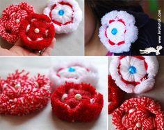 Yarn flower tutorial - wow she makes it look so easy! Loom Flowers, Diy Flowers, Crochet Flowers, Flower Diy, Loom Knitting Patterns, Knitting Yarn, Yarn Dolls, Yarn Thread, Fabric Yarn