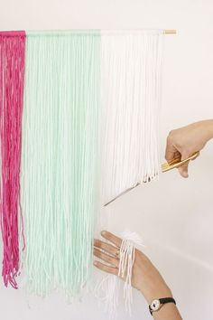 DIY Yarn Wall Hangings Inspired by @oleanderandpalm