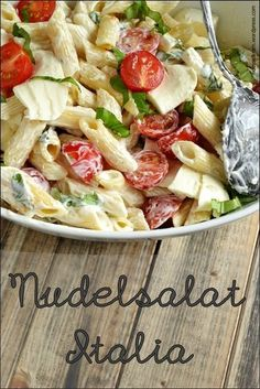 Was ist eine Grillparty ohne Nudelsalat - geht gar nicht. Hier Italienischer Style *** BBQ without noodle salad. - here the Italian Style - Love Pasta salad salad salad recipes grillen rezepte zum grillen Pasta Salad Recipes, Noodle Recipes, Pasta Meals, Lunch Recipes, Cooking Recipes, Healthy Recipes, Grilling Recipes, Cold Pasta, Pasta Salad Italian