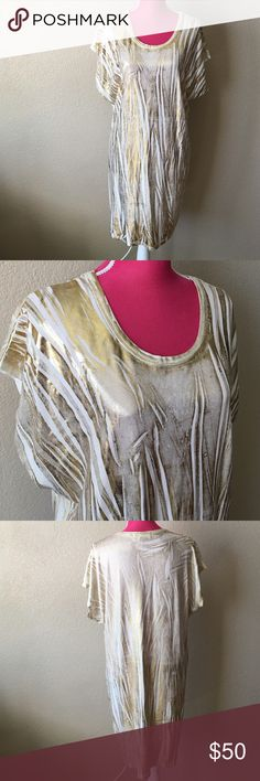 Michael Kors White and gold Shirt Dress T-shirt dress. Excellent condition with some signs of wear. Gold textured detail. Knee length. Perfect for everyday wear with booties or sneakers. Offers welcome through offer tab. No trades. 11006161901 MICHAEL Michael Kors Dresses