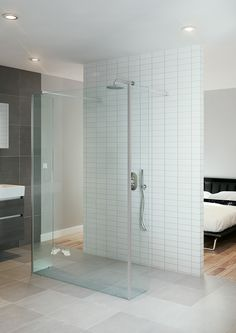Bruynzeel Lector inloopdouche muursteun // douche douchecabine badkamer sanitair // bathroom shower enclosure walk in // salle de bain espace douche Divider, Bathtub, Walk In, Shower, Bathroom, Furniture, Design, Home Decor, Standing Bath
