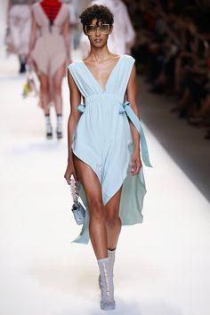 Fendi | Ready-to-Wear Spring 2017 | Look 16