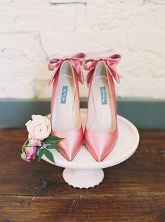 Ideas Bridal Shoes Pink Zapatos For 2019 Preppy Wedding Dress, Pink Wedding Theme, Wedding Shoes, Casual Wedding, Elegant Bridal Shower, Tea Party Bridal Shower, Wedding Events, Wedding Day, Spring Wedding