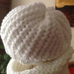 Tour de cou + bonnet point fantaisie - L univers de Matebe. image. armelle  ranson · tricot bebe a6e19142160