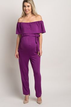 Now you won't have to give up comfort for style with this chic off shoulder maternity jumpsuit. On trend and ultra comfy this jumpsuit will be your new go-to for casual occasions. Style this beauty with booties and a shoulder bag for a complete casual look.