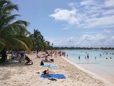 Normally empty and very quiet beach was a bit busy with cruise ship visitors arriving to the La Romana port. Bayahibe public beach is just beside Dreams La Romana resort beach #cruiship #port #Bayahibe #LaRomana #beach